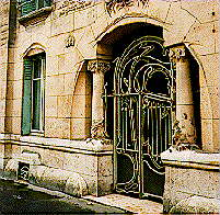 Castel B�ranger in Paris by Hector Guimard
